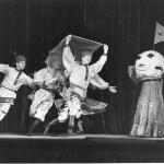 Танец «Лунная картинка» (посвящен запуску космического спутника СССР)