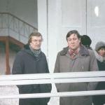 Балетмейстер Миронов В.А. и руководитель оркестра Ковбаса В.М. на экскурсии по фабрике по производству шелка