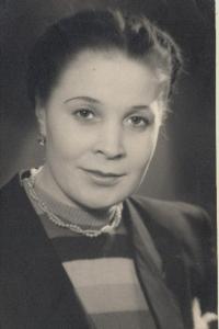 Брусницына Лариса Николаевна